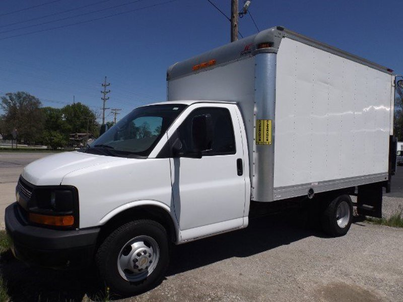 Used 2010 Chevrolet Express 3500 in Fort Wayne, IN - 386938316 - 1