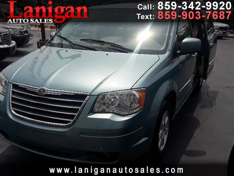 Used 2010 Chrysler Town & Country in Elsmere, KY - 487071265 - 1
